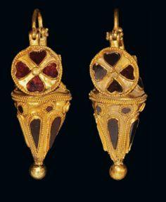 Parthian gold filagree earrings, 2nd century B.C.-1st century A.D.