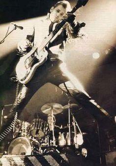Paul Simonon (Clash) in action