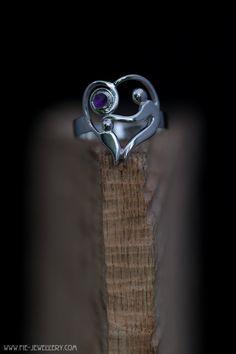 Zilveren ring met amethist, rouwsieraad | Silver ring with amethist, mourning jewellery Handmade Jewellery, Contemporary Jewellery, Heart Ring, Silver Rings, Jewelry, Handmade Jewelry, Jewlery, Jewerly, Schmuck
