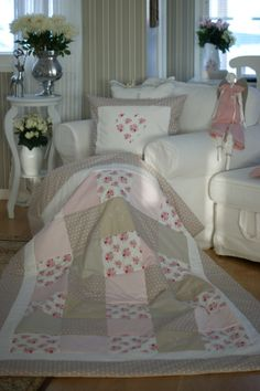 Lovely Quilt & Pillowcase / kotiliesi.blogspot.fi