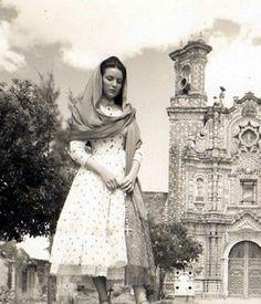 Maria con rebozo.