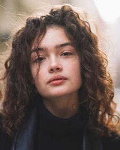 Kat amateur curly haired brunette did