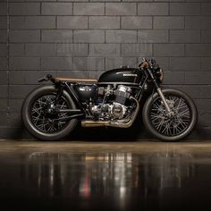 A clean specimen. @leighparsons Honda CB750 cafe racer. Photo by @chop_shot. #croig #caferacersofinstagram