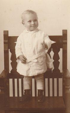Joe Benton Cox, Jr. in 1915 (1914-1994). McKay family line.