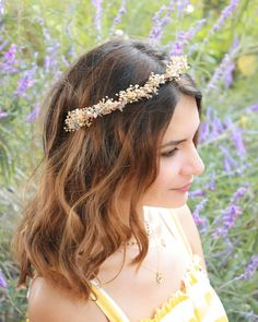 Neutral, earth tone authentic rejoice🌾🦋 Soft and delicate dried flowers crown now available online! Flower Crown Wedding, Bridal Crown, Floral Wedding, Dried Flower Bouquet, Dried Flowers, Winter Bridal Bouquets, Babys Breath Flowers, Peach Hair, Natural Blush