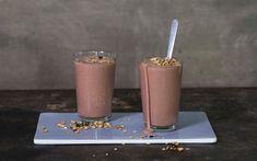 Du lager enkelt din egen protein-shake eller -smoothie. Denne Snickers-varianten tilfredsstiller søtsuget også. Perfekt etter trening!