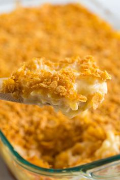 These Classic Cheesy Funeral Potatoes are great for any kind of gathering, including Christmas, Easter, and potlucks at any time of year. Family Fresh Meals, Easy Family Dinners, Quick Easy Meals, Weeknight Dinners, Family Recipes, Potluck Recipes, Side Dish Recipes, Crockpot Recipes, Easy Recipes