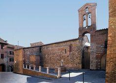 Il fianco destro della Chiesa di San Pietro alla Magione. Foto di Sailko su Wikipedia http://it.wikipedia.org/wiki/Chiesa_di_San_Pietro_alla_Magione