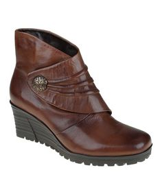 Cinnamon Dune Ankle Boot by Earth, cute and comfy looking!