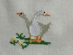 Baby Cross Stitch Patterns, Cross Stitch For Kids, Cross Stitch Bird, Simple Cross Stitch, Cross Stitch Animals, Cross Stitch Charts, Cross Stitch Designs, Cross Stitching, Cross Stitch Embroidery