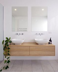 Try new inspiration of vanities bathroom ideas that blowing your mind - Try one of your best vanity and get a new experience that you have never felt before White Bathroom Interior, Modern Master Bathroom, Classic Bathroom, Diy Bathroom Decor, Bathroom Renos, Laundry In Bathroom, Bathroom Design Small, Bathroom Styling, Bathroom Renovations