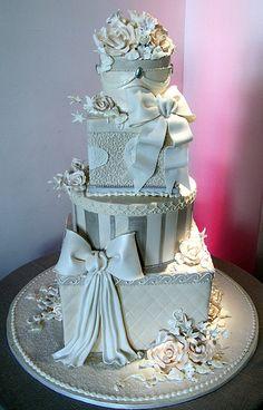 Love this cake design! Beautiful Wedding Cakes, Gorgeous Cakes, Pretty Cakes, Amazing Cakes, Gorgeous Gorgeous, Unique Cakes, Elegant Cakes, Creative Cakes, Take The Cake