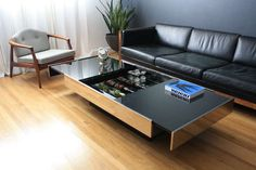 Vintage Coffee Table by Willy Rizzo for Cidue Italy image 7 Modern Home Interior Design, Home Office Design, Living Room Sofa Design, Living Room Designs, Centre Table Design, Condominium Interior, Center Table Living Room, Drawing Room Furniture, Home Fix