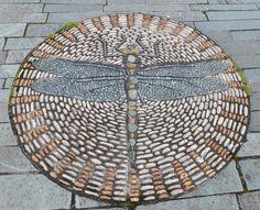 Pebble Mosaic Design Ideas 240 – Home and Apartment Ideas Mosaic Walkway, Pebble Mosaic, Mosaic Garden, Stone Mosaic, Pebble Art, Mosaic Tiles, Garden Art, Garden Design, Mosaic Rocks