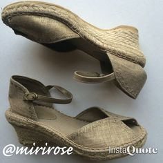 """Bare Traps Straw Wedges These shoes are breathtakingly adorable. Fabric straps and straw bottoms. These look brand new except the inside lining is beginning to peel. See last pic. Size 7. Heel height 2 1/2"""". Bare Traps Shoes Wedges"""