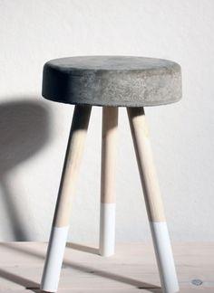 Tabouret en béton DIY : astuces et conseils - Clem Around The Corner Clem, Hygge, Bois Diy, Beton Diy, Stool, Concrete, Corner, Style Indus, Furniture