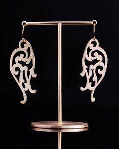 Arabesque (tubasa Ⅰ) pierced earrings -