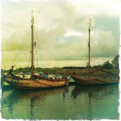 Den Bruinen en de Jan Korneel te Stavenisse Zeeland Sailing Ships, Dutch, Boats, Rest, Van, Water, Gripe Water, Dutch Language, Ships