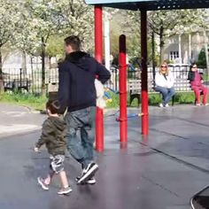 Video shows parents need to better teach kids about stranger danger - parenting.com