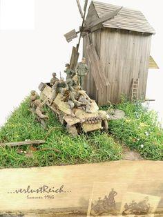 """verlustReich (Das Reich losses...)"" 1/35 scale. By Erik Gideonse. AFV CLUB German SdKfz 251/9 Ausf.C #diorama #WW2 #windmill"