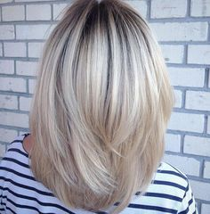 Pin on Hairstyles Pin on Hairstyles Blonde Bob Hairstyles, Pretty Hairstyles, Medium Hair Styles, Short Hair Styles, Medium Layered Hair, Great Hair, Hair Highlights, Hair Today, Hair Dos