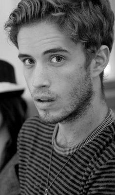 brian logan dales from the summer set. total hottie. except for the fact he looks like my ex. awkward.