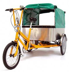 Cargo trike for dogs. But I think I'd like the cover to be clear. Then the dogs could look out.