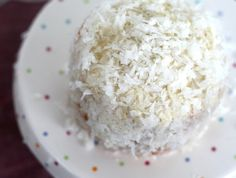Coconut & Lime // recipes by Rachel Rappaport ~coconut mini layer cake~ Single Serve Desserts, Small Desserts, Mini Desserts, Individual Desserts, Easy Desserts, Homemade Chocolate Pie, Chocolate Pies, Mini Cakes, Cupcake Cakes