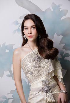Ceremony Dresses, Bridal Dresses, Prom Dresses, Formal Dresses, Thai Traditional Dress, Traditional Outfits, Thai Wedding Dress, One Shoulder Wedding Dress, Thai Fashion