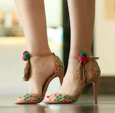 Women's Fashion Shoes Online Shopping – Chic Me Fancy Shoes, Cute Shoes, Me Too Shoes, Pretty Shoes, High Heels, Shoes Heels, Flat Shoes, Dress Shoes, Shoe Makeover