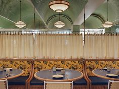 Completed in 2018 in Hong Kong (SAR). Images by Johnathon Leijonhufvud. John Anthony is a contemporary dim sum restaurant located in Hong Kong. The concept for the restaurant is drawn from the historical figure John. Hong Kong, Dim Sum, Cafe Restaurant, Restaurant Design, Restaurant Banquette, Restaurant Interiors, Restaurant Offers, Home Modern, Boutique Interior Design