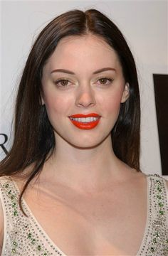 """Charmed"" star Rose McGowan has always been beautiful. But recently Rose claimed an accident forced her to have some work done. Beautiful Celebrities, Beautiful People, Brielle Biermann, Serie Charmed, Kim Zolciak, Celebrity Plastic Surgery, Under The Knife, Shannen Doherty, Rose Mcgowan"