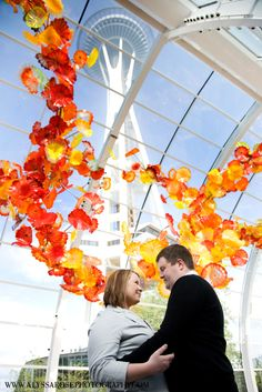 Chihuly glass - Seattle engagement photos