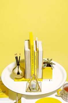 How To Restyle Your Coffee Table 3 Different Ways #refinery29  http://www.refinery29.com/coffee-table-decor