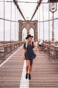 Tourists in New York – Brooklyn Bridge. God morgon babes! Ni har ju redan sett lite bilder från Brooklyn bridge men här är några till, det är ju så vackert… Och oj vad jag saknar Jon när jag ser dom h