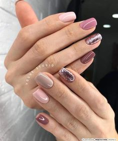 Adding some glitter nail art designs to your repertoire can glam up your style within a few hours. Check our fav Glitter Nail Art Designs and get inspired! Cute Acrylic Nails, Glitter Nail Art, Cute Nails, Pretty Nails, Classy Nails, Stylish Nails, Simple Nails, Hair And Nails, My Nails