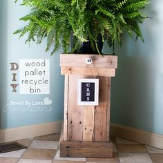 How to make a wood pallet recycle bin #repurposed #reclaimedwood #woodpalletprojects