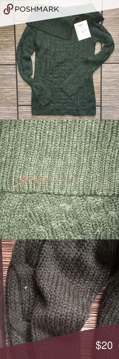 Green zip-neck turtleneck sweater NWT. Some slight color shifts in yarn (pictured). Otherwise, no stains, pulls, or rips. J.J. Always Sweaters Cowl & Turtlenecks