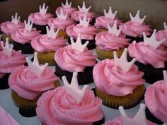 Pretty pink crowns atop pink buttercream and sparkling pink sugar. Love Cupcakes, Cupcake Cookies, Ladybug Cupcakes, Kitty Cupcakes, Snowman Cupcakes, Pink Princess, Princess Party, Princess Birthday Cupcakes, Disney Princess Cupcakes