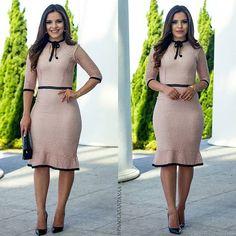 {Muito Amor por Esse Vestido Perfeito da @jacileneatelie} Chic, delicado e muito feminino ✅@jacileneatelie whats(11) 94927-9017 Site:www.jacileneatelie.com.br