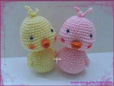 written pattern here: http://www.amigurumitogo.com/2013/03/crochet-baby-duck-free-pattern-with.html