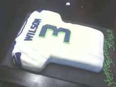 Seattle Seahawks Russell Wilson Jersey Cake Cool Birthday Cakes Parties 7th