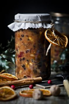 MINCEMEAT ~~~ mincemeat is a mixture of dried fruit, distilled spirits, spices… Christmas Kitchen, Christmas Baking, Christmas Pies, English Christmas, Xmas Food, Victorian Christmas, Christmas Carol, Christmas Stuff, Christmas Recipes