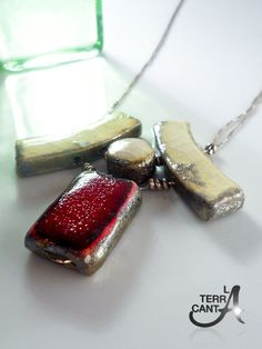 Collana Raku bianca e rosso montata in argento di LaTerraCanta, €41.00