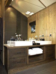 Dream Home Design, Home Interior Design, House Design, Mountain Modern, Hotel Suites, Cottage Style, Cabin, Bathroom, Cottages