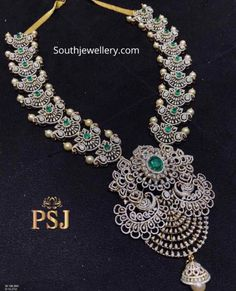 Jewellery Designs - Page 12 of 1647 - Latest Indian Jewellery Designs 2019 ~ 22 Carat Gold Jewellery one gram gold Indian Jewelry Sets, Indian Wedding Jewelry, Bridal Jewelry, Gold Jewelry, Diamond Jewelry, Indian Bridal, Antique Jewelry, Jewelry Necklaces, Diamond Choker