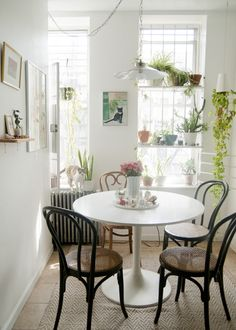 casual space white table