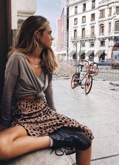 How to style doc Martens doc Martens outfit is too Spring Fashion Outfits, Casual Fall Outfits, Look Fashion, Autumn Fashion, Street Fashion, Womens Fashion, Winter Outfits, Hipster Fashion, Fashion Clothes