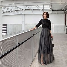 69939a1c74 Stylowe   Modne Czarne Sukienki Wieczorowe 2019 Princessa Cekiny Wysokiej  Szyi 1 2 Rękawy Bez