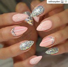#pink #nails #glitter